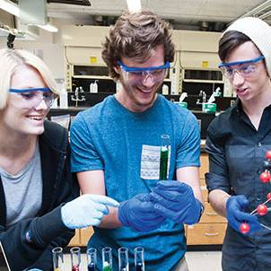 Photo of Environmental Science students learning in a laboratory